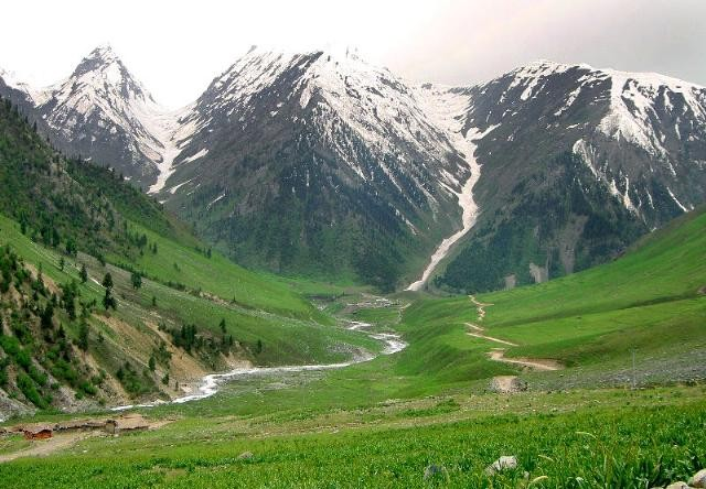 azad-kashmir-valley-tour-e1323328702169